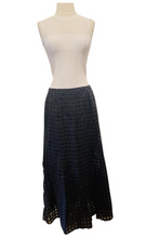 Load image into Gallery viewer, Theory Black Virgin Wool Skirt Size 4