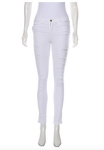Load image into Gallery viewer, FRAME White Mid-Rise Distressed Skinny Jean