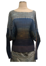 Load image into Gallery viewer, Issey Miyake Pleated Printed Top