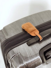 DYED TERRACOTTA LEATHER LUGGAGE TAG WITH MINK TRIM