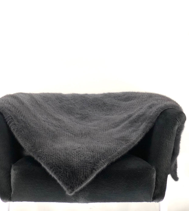 DYED GREY KNITTED MINK THROW