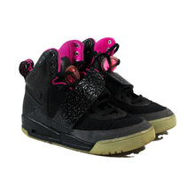 Load image into Gallery viewer, Used Nike Air Yeezy 1 Blink