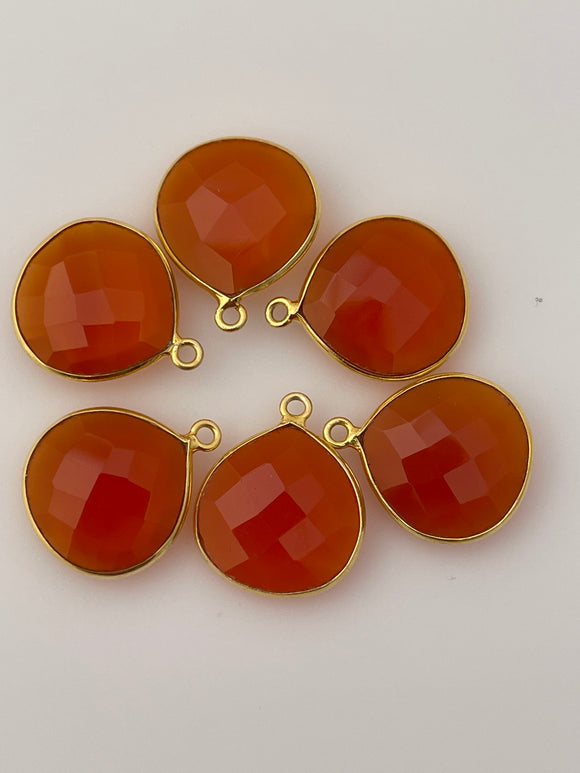 Red onyx Six Piece a Pack One Loop  Gold Plated Heart Shape, Size : 15mm.DM 401