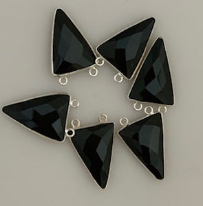 Six Piece a Pack Connector Real  Sterling Silver 925 Black Onyx Triangle  Shape, Size : 15mmX20mm.