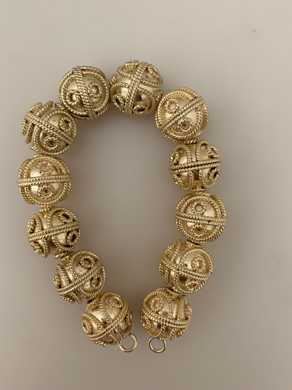 1 Strand of Decorative Beads, Gold Finish And Silver Plated, Brushed Finish, e-coated (about 12 Beads) Size: 16mm.