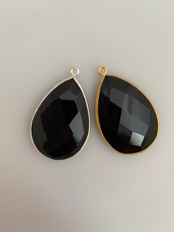 Black Onyx 1 Pieces One Loop Real Gold Plated and Sterling Silver 925 Black Onyx Pear Shape, Size : 30mmX21mm.