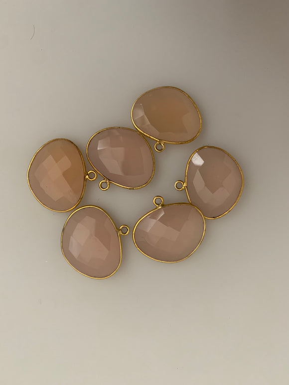 Pink Chalcedony of Six Pieces One Loop Real Gold Plated Pink Chalcedony H Oval Shape, Size : 15mmX20mm.#DM 699