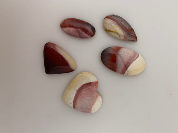 5 Pieces Mookaite Jasper Cabochone. Different Shapes Moonaite Stone, Designer Mookaite Cabochon. Size: Between 14X28mmand, 30mmX32mm.