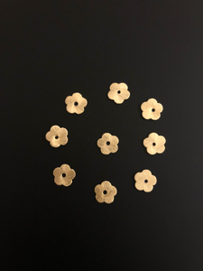 A Strand of Flat Flower Disc, E-coated, Brushed, Available in 2 colores- Gold Finish & Silver Plated, 6 Sizes