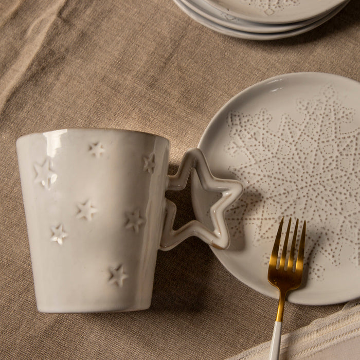 STAR MUG SET WITH SNOWFLAKE PLATE; Crystal White