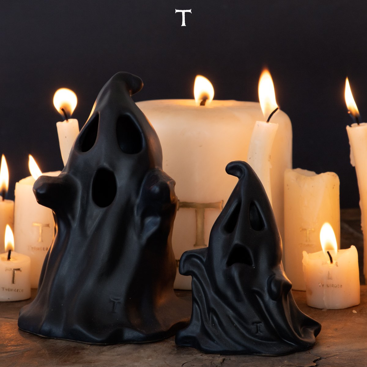 SET OF 2 GHOSTS, Black  Onix