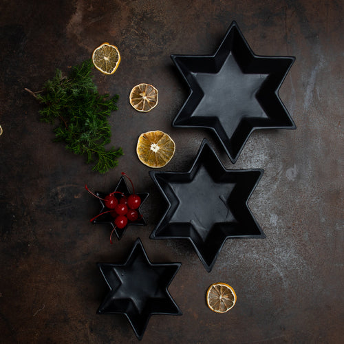 SET OF 4 STAR PLATES, Black Onix