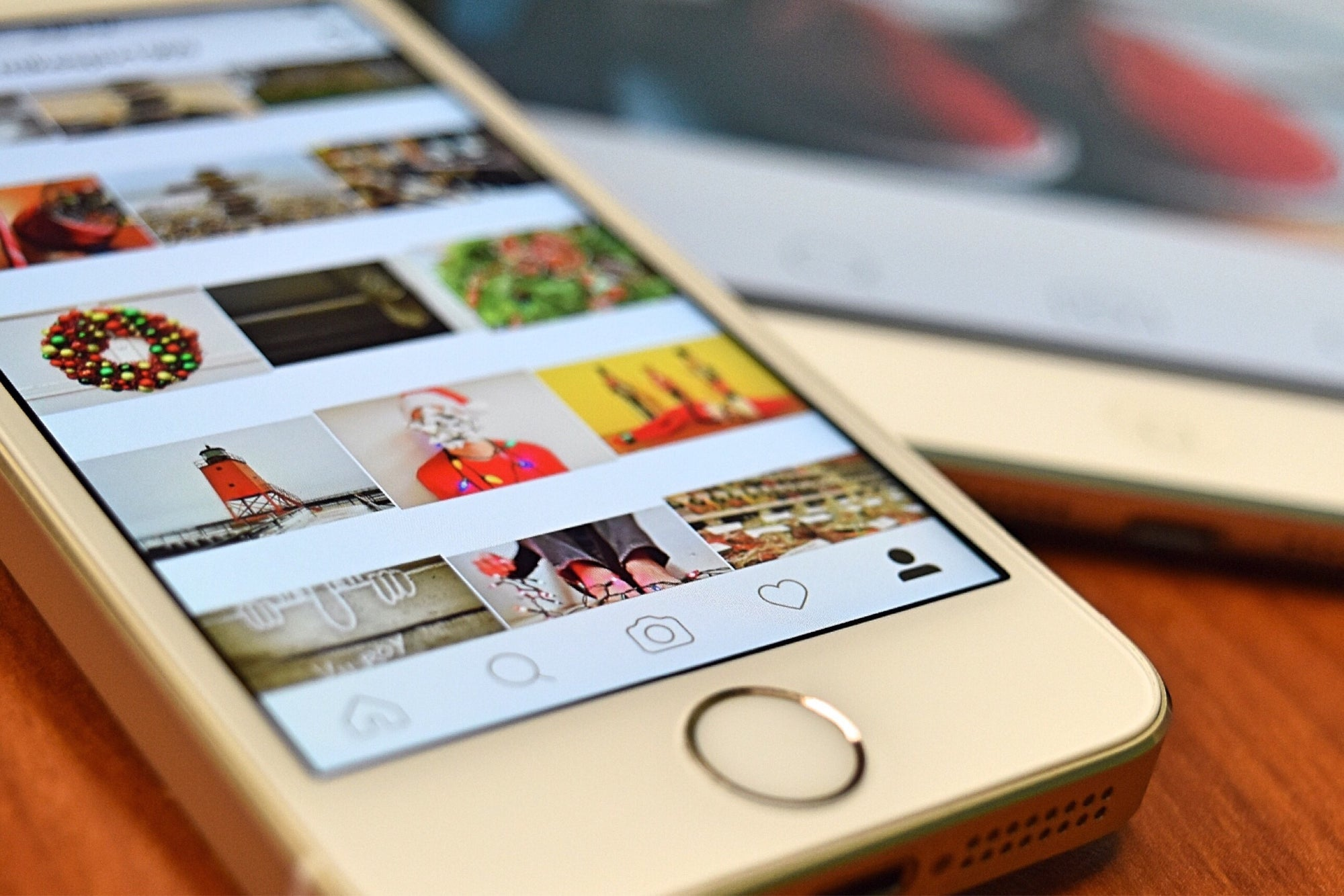 Add an instagram (App) feed