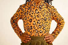Load image into Gallery viewer, Kelsi Leopard Turtleneck