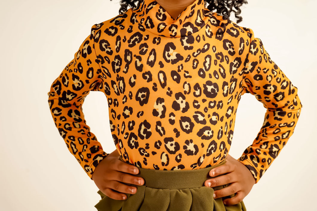 Kelsi Leopard Turtleneck