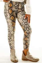 Load image into Gallery viewer, Sassy Snakeprint Leggings