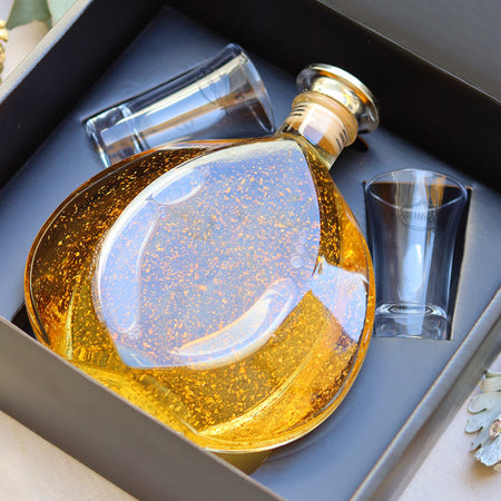 Decanter - Gift Box - with 24 ct Gold Flakes