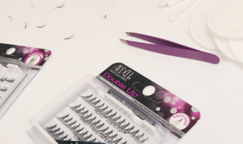 91563804b02 Strip lashes versus individual lashes | False Eyelashes