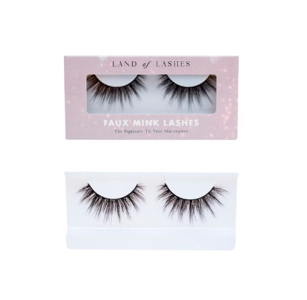 Land of Lashes in style Aurora
