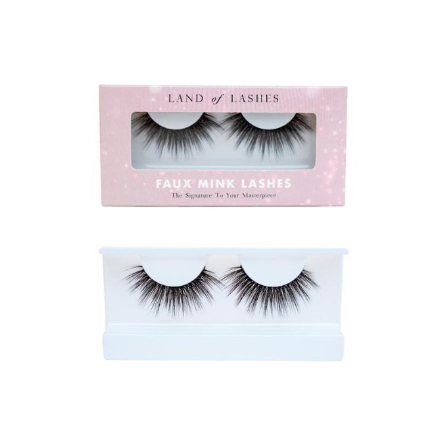 Land of Lashes in style Captivate