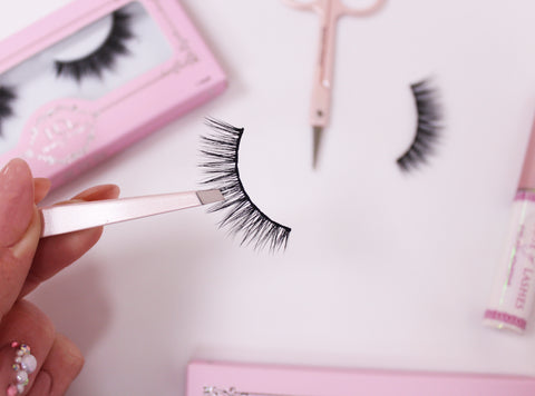 how to look after false eyelashes