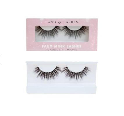 Land of Lashes in style Hollywood