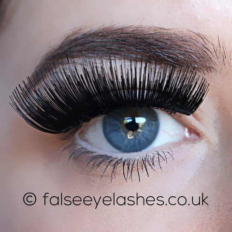 Ardell Fashion Lashes Black 115 (Model Shot 1)