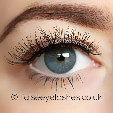 Ardell Self-Adhesive Lashes Demi Wispies (Model Shot 1)