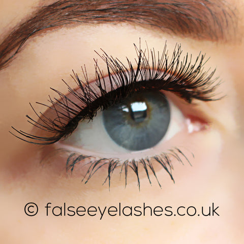 Ardell Self-Adhesive Lashes Demi Wispies (Model Shot 2)