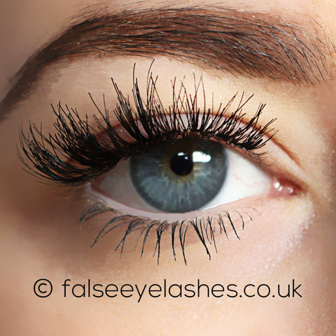 Ardell Studio Effects Lashes Black - Demi Wispies (Model Shot 1)
