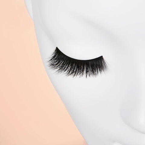 Blinking Beaute Mink Lashes - No. 2 (Mannequin Shot 1)