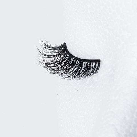 Blinking Beaute Mink Lashes - No. 1 (Lash Shot 2)