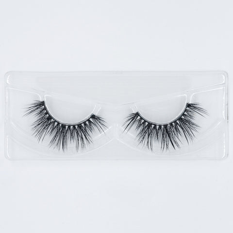 Doll Beauty Lashes - Cher (Tray Shot)