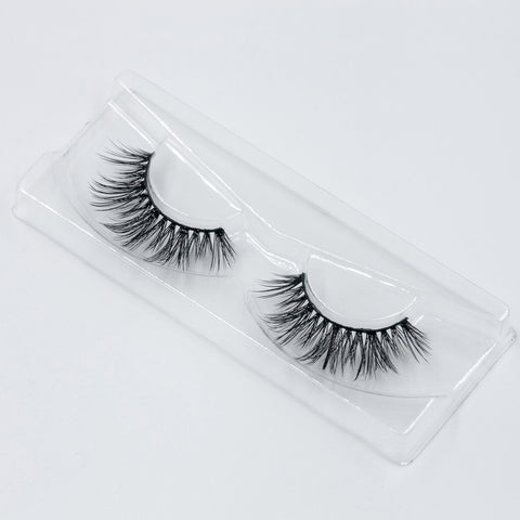 Doll Beauty Lashes - Cher (Angled Tray Shot 1)