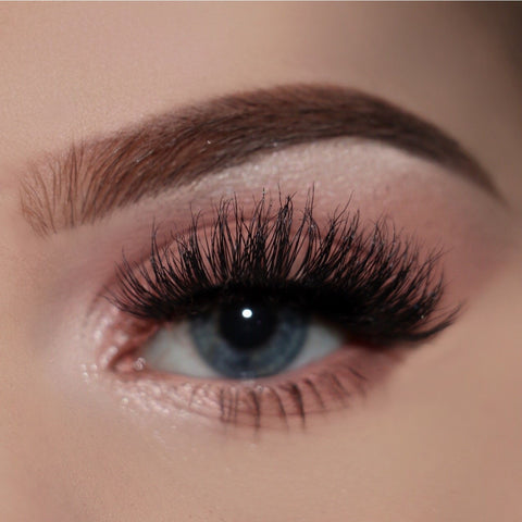 Doll Beauty Lashes - Katie (Model Shot)