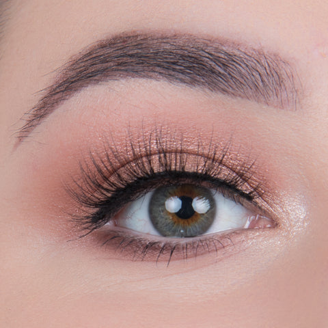 Flutter Lashes - Paris Dimensional Mink Eyelashes (Model Shot)