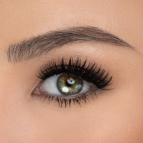 House of Lashes - Wing It Mini (Model Shot 1)