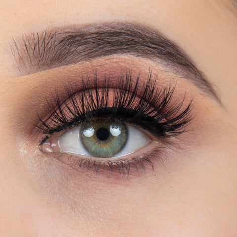 KoKo Lashes - Heiress (Model Shot)