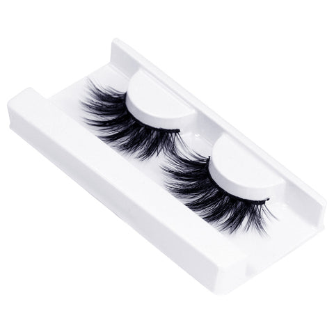Land of Lashes Faux Mink Lashes - Aria (Angled Tray Shot 1)