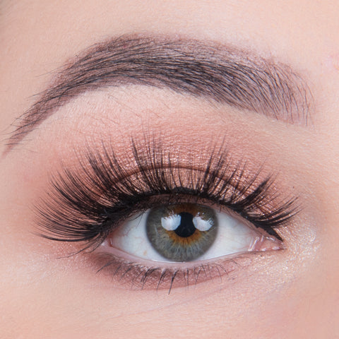 Land of Lashes Faux Mink Lashes Multipack - Eden (Model Shot)