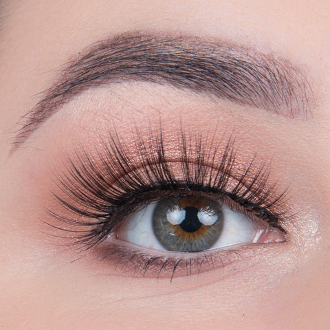 Land of Lashes Faux Mink Lashes - Flutter (Model Shot)