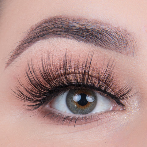 Land of Lashes Faux Mink Lashes Multipack - Hollywood (Model Shot)