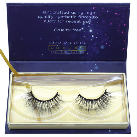 Land of Lashes Luxury Lashes - Ritz (Packaging Shot)