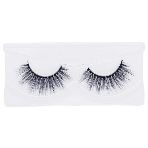Land of Lashes Luxury Lashes - Ritz (Tray Shot)