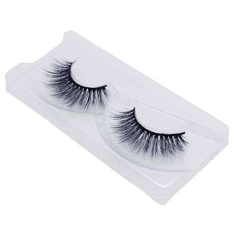 Land of Lashes Luxury Lashes - Ritz (Angled Tray Shot 1)