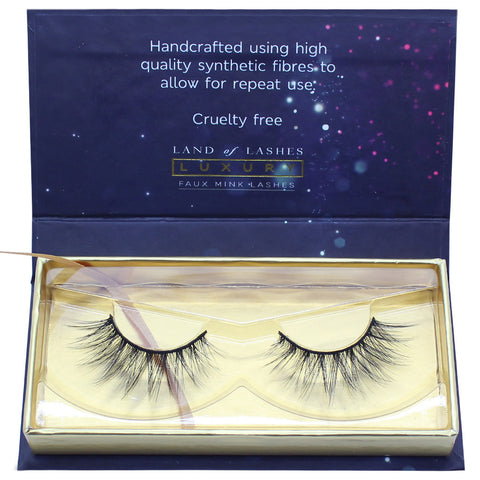 Land of Lashes Luxury Lashes - Ruby (Packaging Shot)