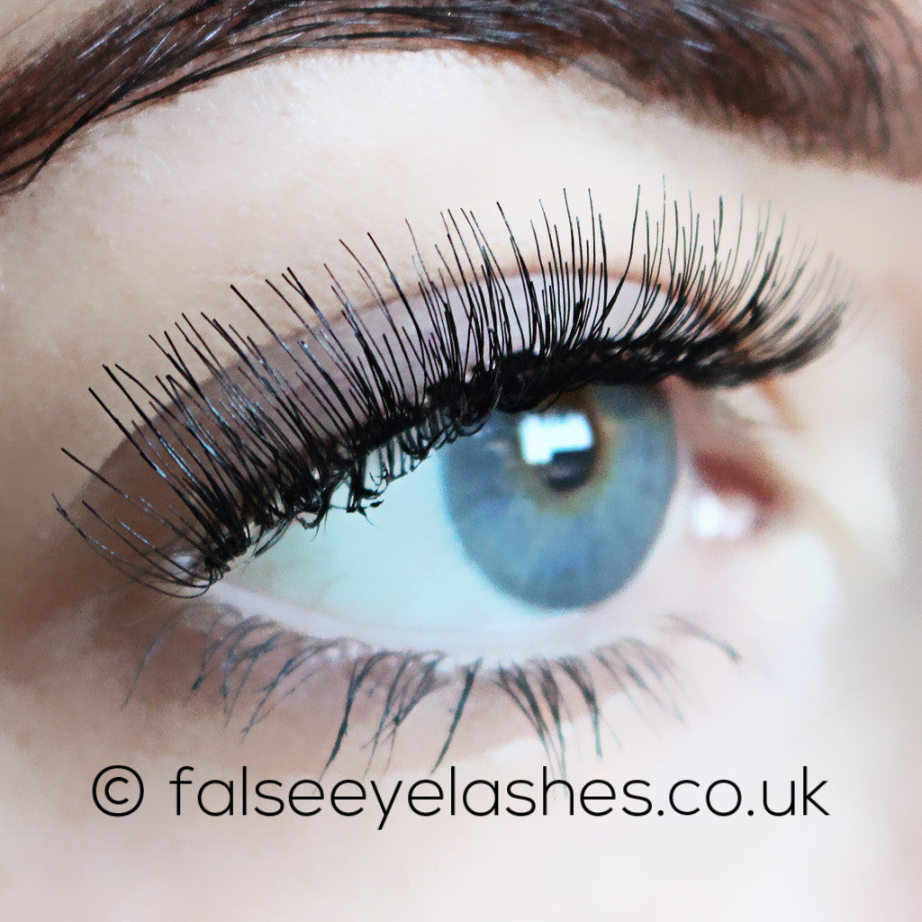 Red Cherry Lashes Style Nude Onyx (Model Shot 2)