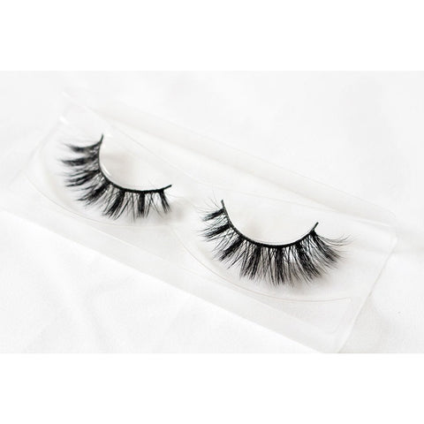 Unicorn 3D Silk Lashes - Buttercup (Tray Shot 1)
