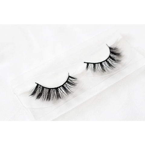 Unicorn 3D Silk Lashes - Buttercup (Tray Shot 2)