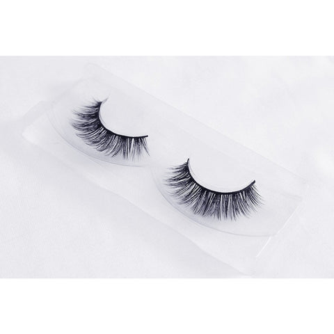 Unicorn 3D Faux Silk Lashes - Forget Me Not (Angled Tray Shot 1)